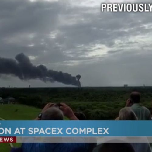 SpaceX, esplode un satellite per la banda larga