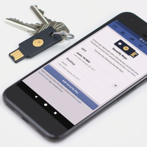 Facebook: login senza password con le chiavette FIDO U2F
