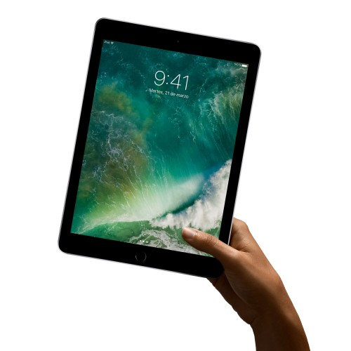 Apple presenta il suo nuovo iPad con display da 9,7 pollici